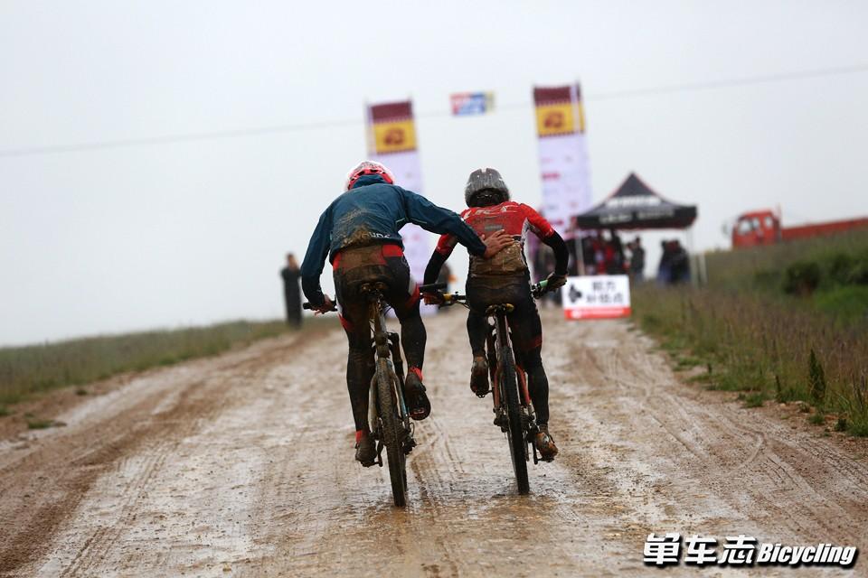 极寒之路——2017甘南藏地传奇自行车赛完美收官