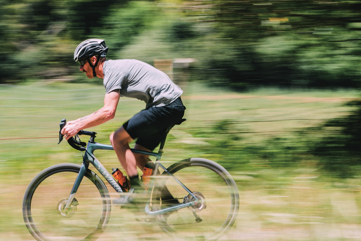 Gravel Bike VS 公路越野车,有什么区别?