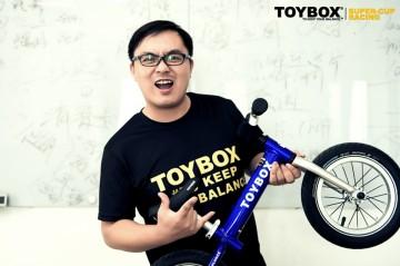 燃爆级儿童平衡车的产品语言是什么?TOYBOX与美爸李健的自行车梦想!