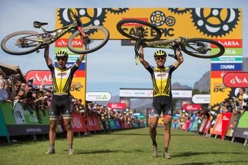 史上最大胜利 in山地车界的环法赛Cape Epic! SCOTT-SRAM车队赢得双料总冠军!
