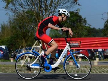小蓝单车bluegogo pro首次亮相专业铁人三项赛事,3小时18分02秒完成90公里骑行