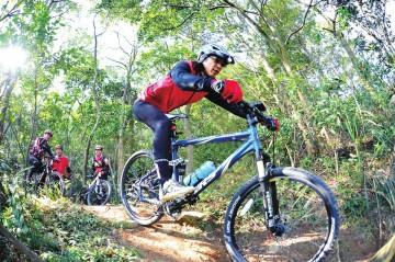爱上单车不伤手 骑行常见手部伤害及预防保健
