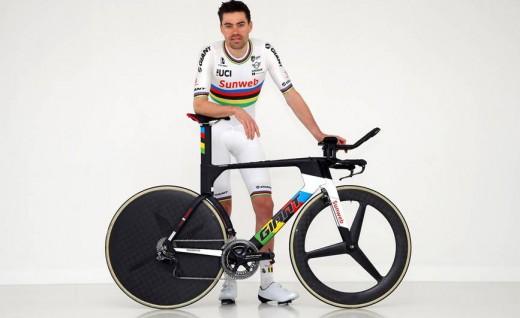 Giant赞助选手Tom Dumoulin 世锦赛冠军计时车和彩虹衫正式亮相