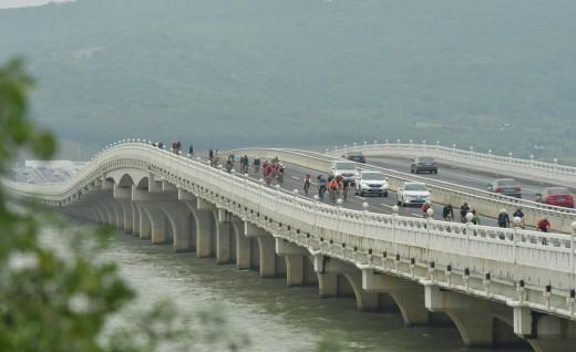 畅骑东西山—2018环吴中太湖国际自行车赛