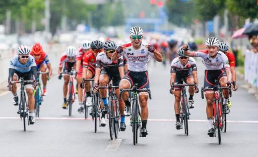 第八届北京国际自行车骑游大会激情开赛
