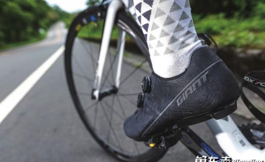 Giant Surge Pro MES 碳纤锁鞋实测