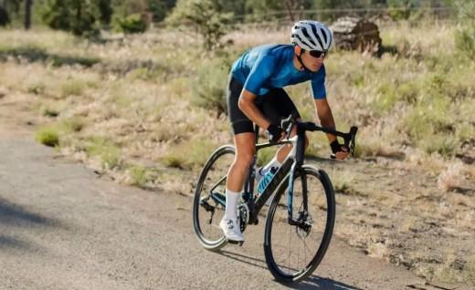 Giant Defy Advanced Pro榮獲Cycling Plus雜志長程耐力型車款冠軍
