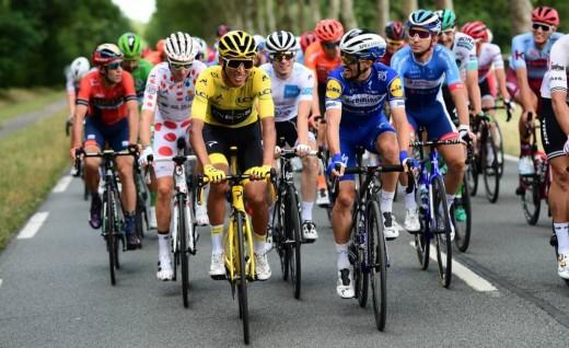 不畏官方疫情禁令 环法自行车赛照办