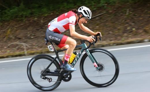 东京奥运会女子公路赛 奥地利凯瑟霍夫取胜
