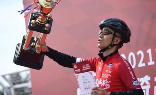 刘昕24小时骑行725公里,打破中国不间断骑行纪录!